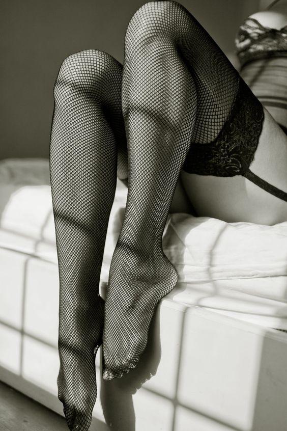 Эротические фото женские ножки