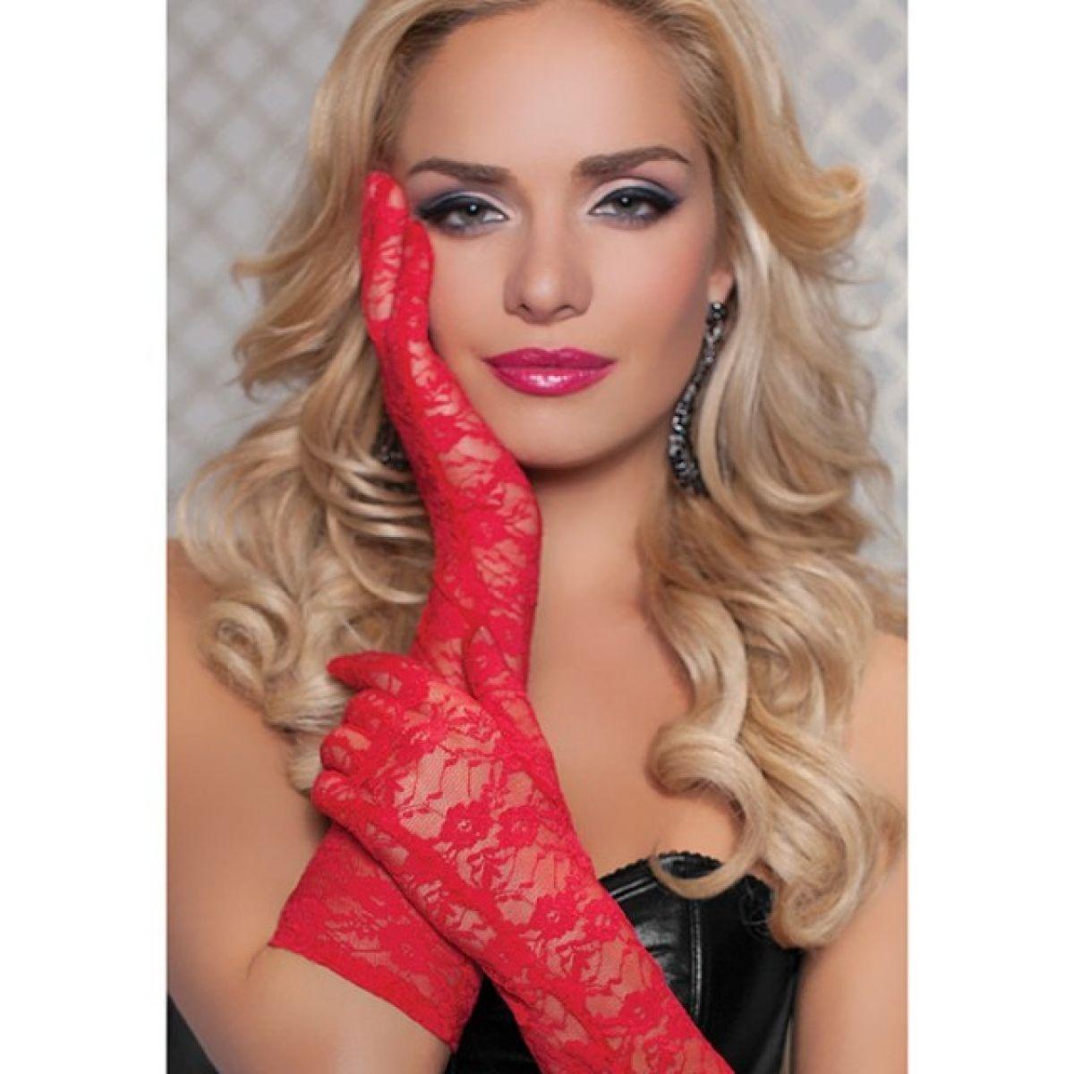 Перчатки из красного цветочного гипюра
