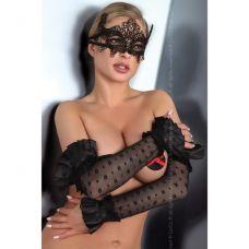 Черная кружевная маска..