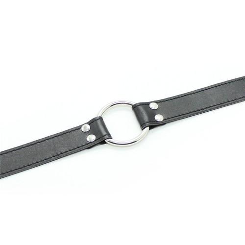 Черный кляп-расширитель с металлическим кольцом