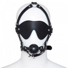 Черная маска с кляпом..