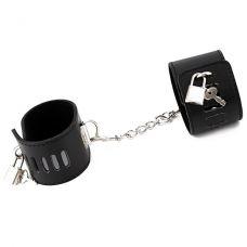 Черные наручники БДСМ..