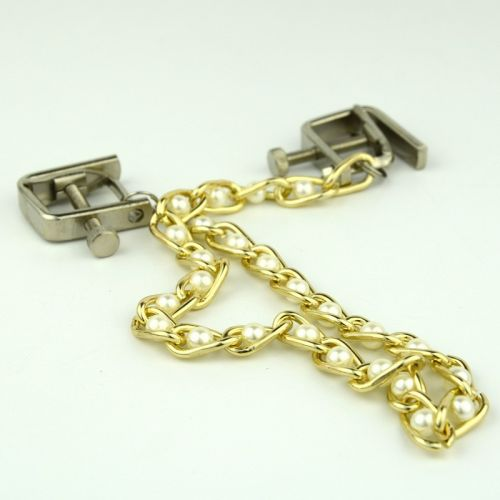 Квадратные зажимы с цепочкой Gold and White