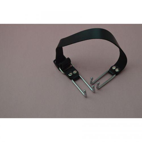 Металлические крючки-распорки для рта на ремне