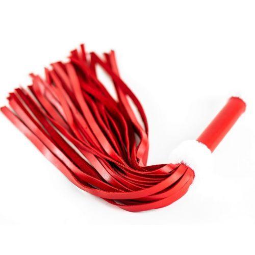 Плеть из натуральной кожи красного цвета с меховым декором