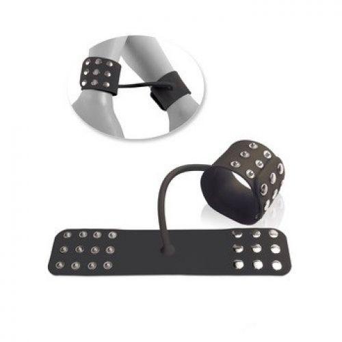 Силиконовые наручники на заклепках